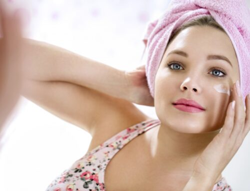 Applicare la crema viso in 4 mosse